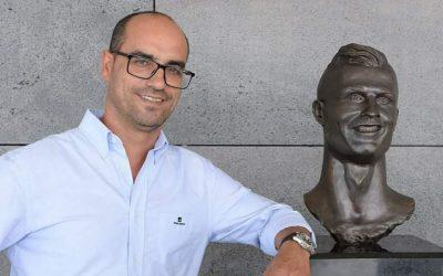 Emanuel Santos: Do busto do Ronaldo à vida autárquica